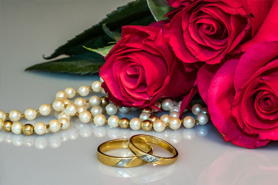Choose affordable wedding rings - How to Plan a Wedding on a Budget